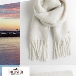 🌟New Hollister white scarf